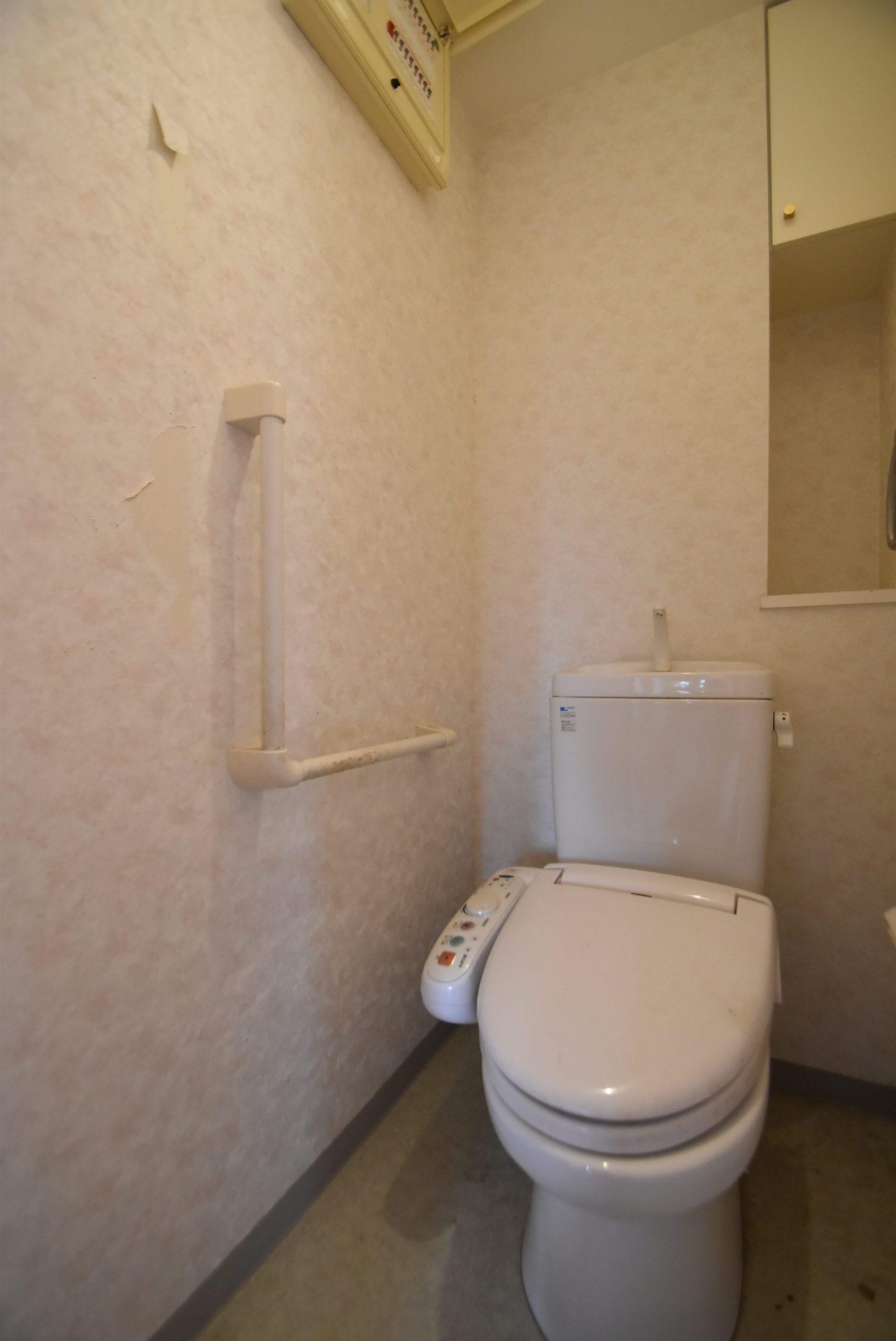 トイレ。リフォーム前。