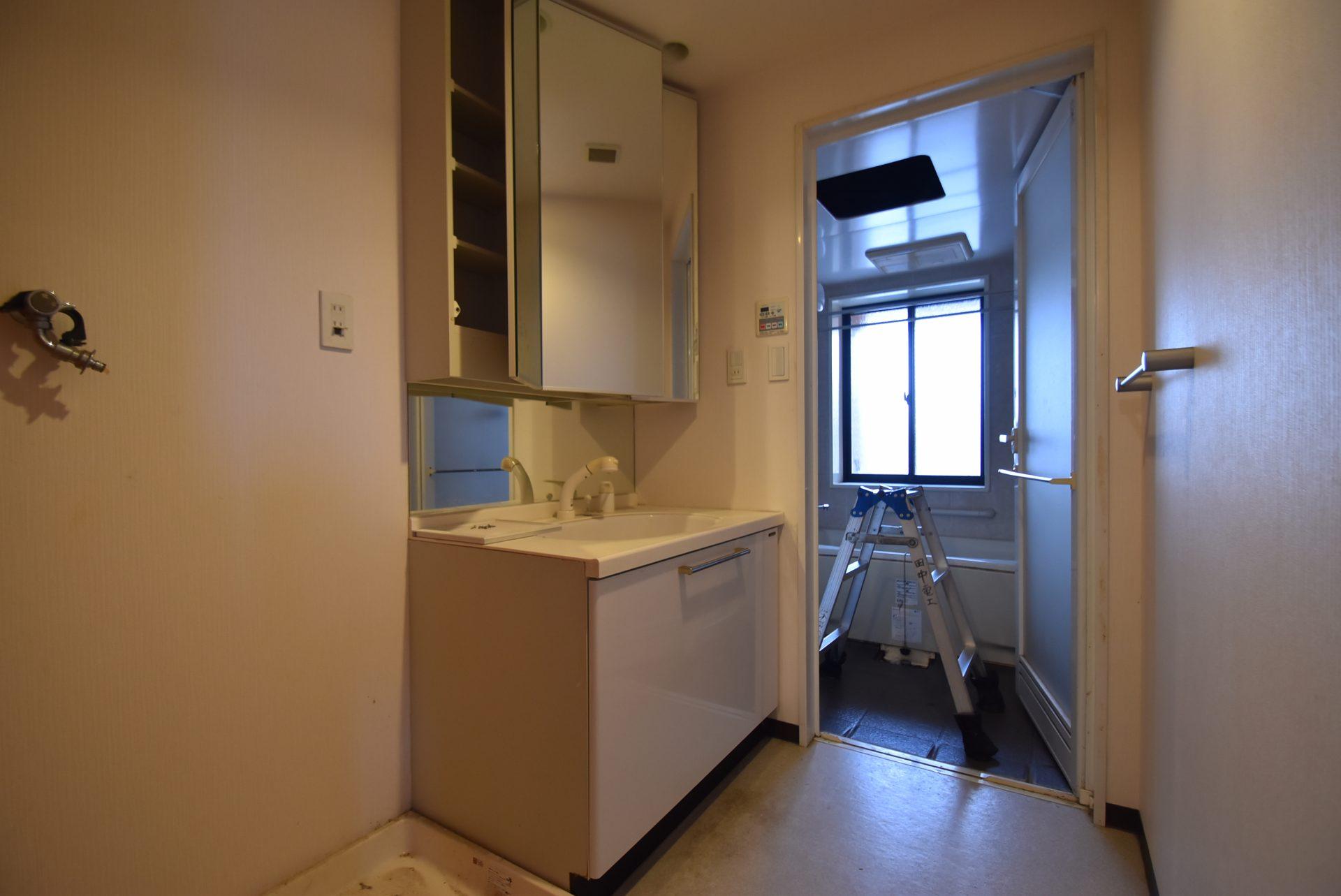 洗面室。リフォーム前。